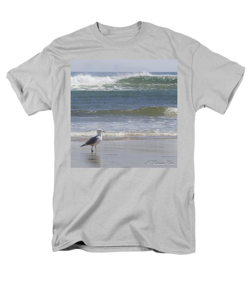 Gull With Parallel Waves Men's T-Shirt  (Regular Fit)
