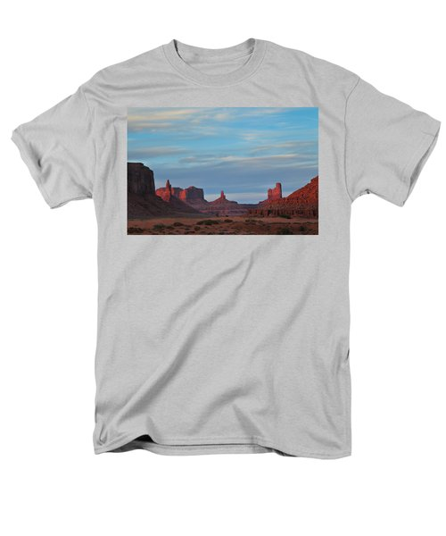 Men's T-Shirt  (Regular Fit) featuring the photograph Last Light In Monument Valley by Alan Vance Ley