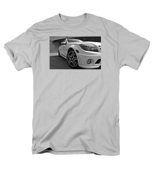 Men's T-Shirt  (Regular Fit) featuring the photograph Low Profile by Linda Bianic