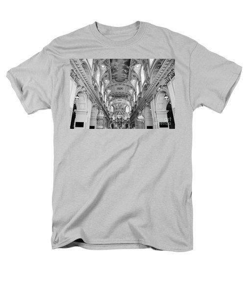 Notre-dame Basilica Men's T-Shirt  (Regular Fit)