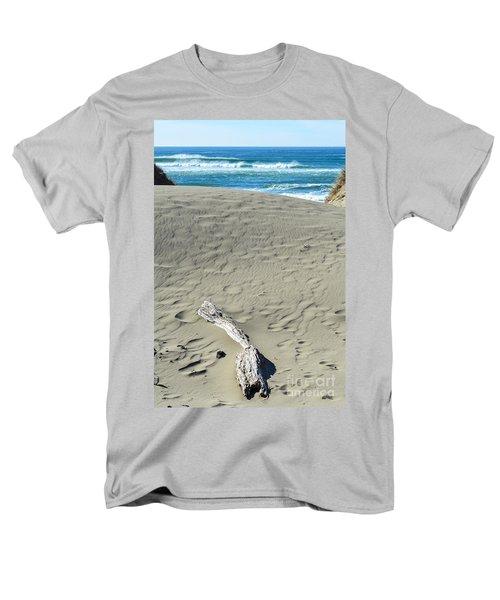 Papillon Men's T-Shirt  (Regular Fit) by CML Brown
