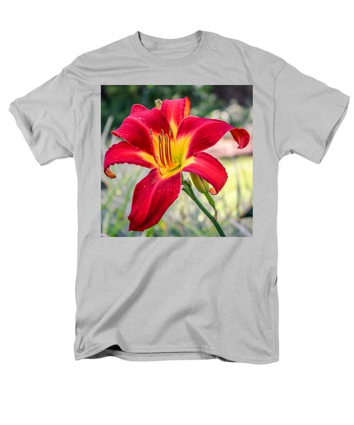 Men's T-Shirt  (Regular Fit) featuring the photograph Red Daylily by Rob Sellers