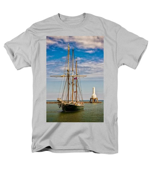 s/v Denis Sullivan Men's T-Shirt  (Regular Fit) by James  Meyer