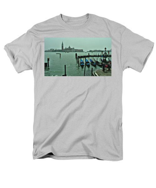 Men's T-Shirt  (Regular Fit) featuring the photograph Sanding By by Brian Reaves