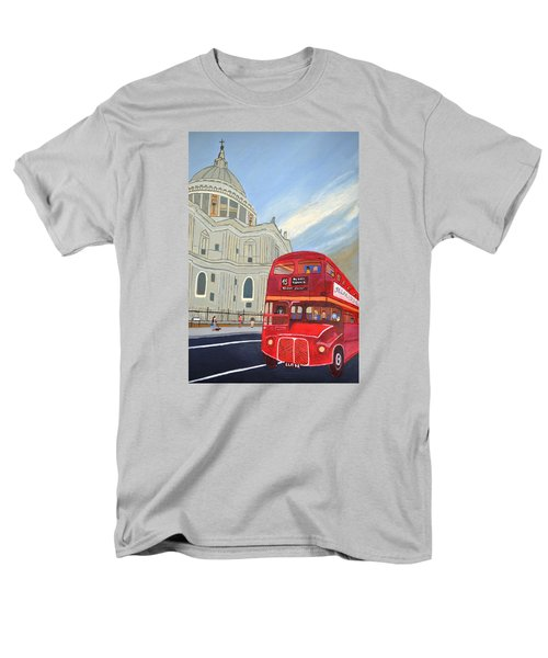 St. Paul Cathedral And London Bus Men's T-Shirt  (Regular Fit)