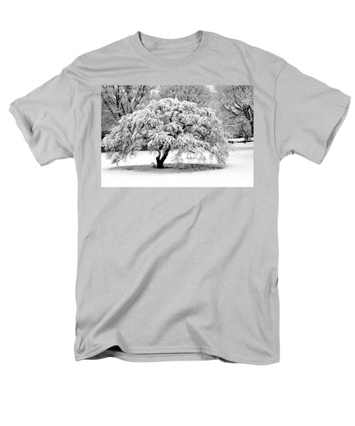 Men's T-Shirt  (Regular Fit) featuring the photograph Snow In Connecticut by John Scates