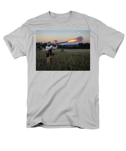 Early 1800's Flintlock Muzzleloader Blast Men's T-Shirt  (Regular Fit)