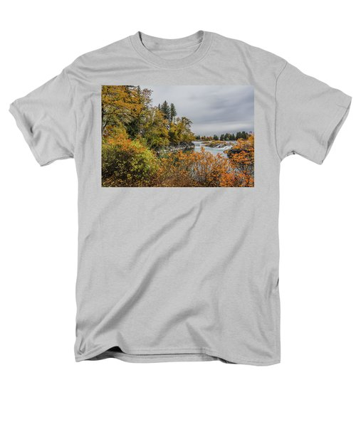 Snake River Greenbelt Walk In Autumn Men's T-Shirt  (Regular Fit) by Yeates Photography