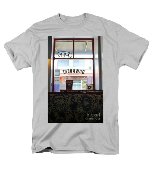Men's T-Shirt  (Regular Fit) featuring the photograph At Lunch by Craig Wood