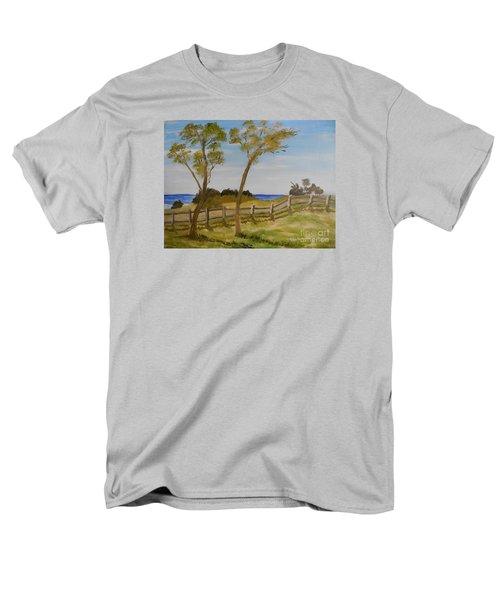 At Ruby's Bulli Men's T-Shirt  (Regular Fit) by Pamela  Meredith