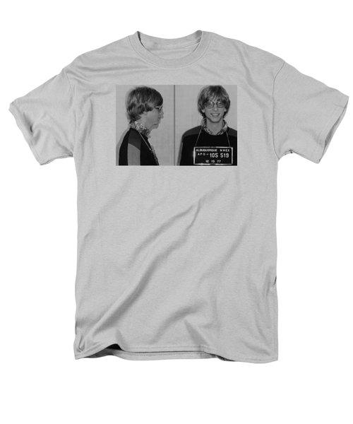 Bill Gates Mug Shot Horizontal Black And White Men's T-Shirt  (Regular Fit) by Tony Rubino