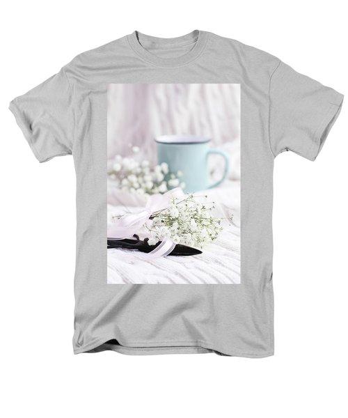 Bouquet Of Baby's Breath Men's T-Shirt  (Regular Fit)