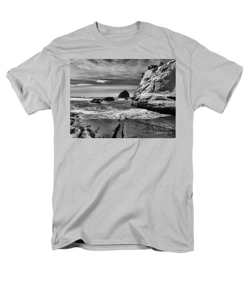 Cape Kiwanda Seascape Men's T-Shirt  (Regular Fit) by Scott Cameron