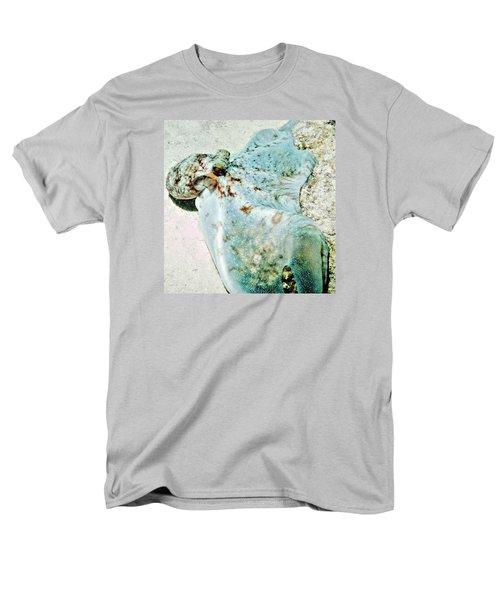 Caribbean Reef Octopus - Eyes Of The Deep Men's T-Shirt  (Regular Fit)