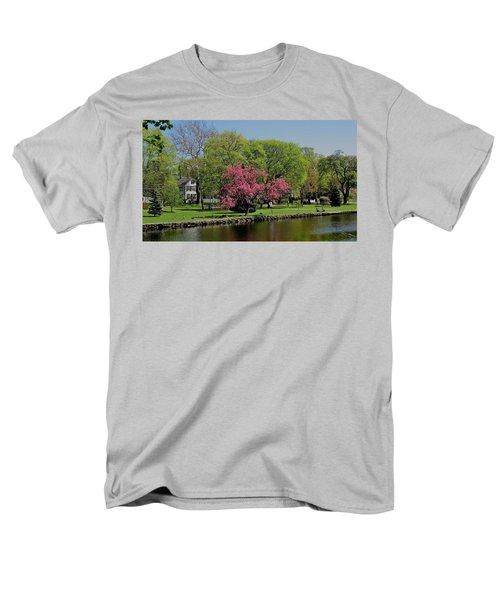 Connecticut Men's T-Shirt  (Regular Fit) by John Scates