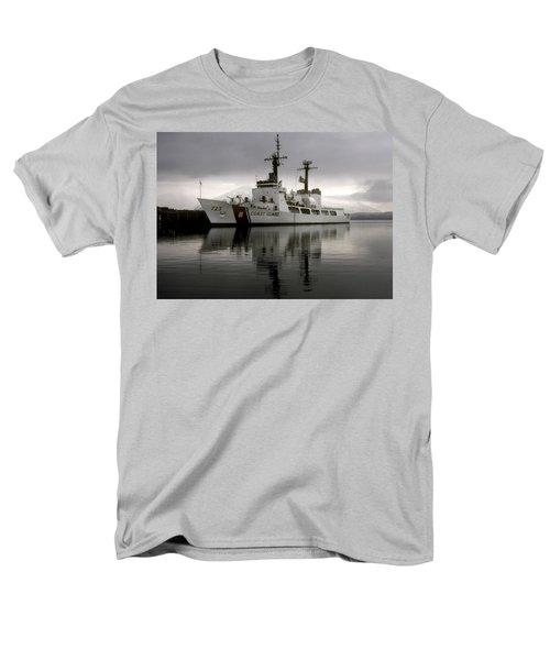 Cutter In Alaska Men's T-Shirt  (Regular Fit) by Steven Sparks