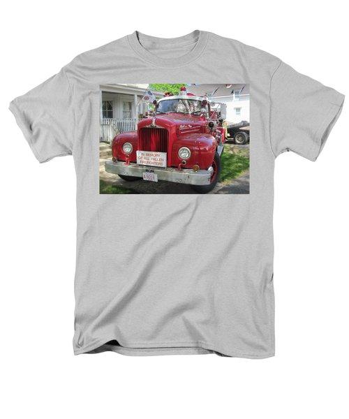 Danvers - Old Fire Engine Men's T-Shirt  (Regular Fit)