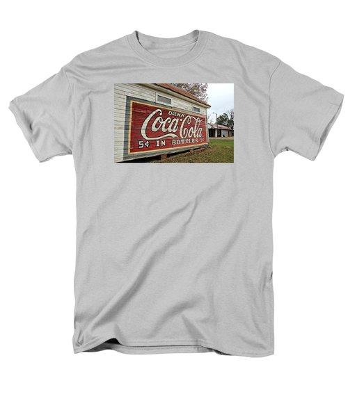 Drink Coca-cola Men's T-Shirt  (Regular Fit)