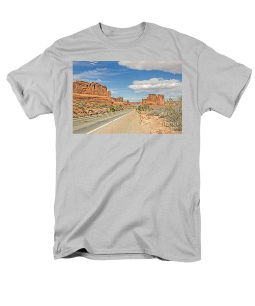 Entrada Sandstone Formations Men's T-Shirt  (Regular Fit) by Sue Smith