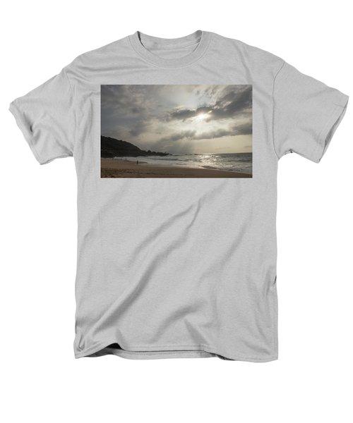Eye To Eye Men's T-Shirt  (Regular Fit) by Alex Lapidus