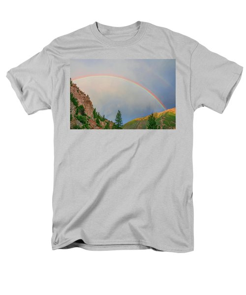 Follow The Rainbow To The Majestic Rockies Of Colorado.  Men's T-Shirt  (Regular Fit)