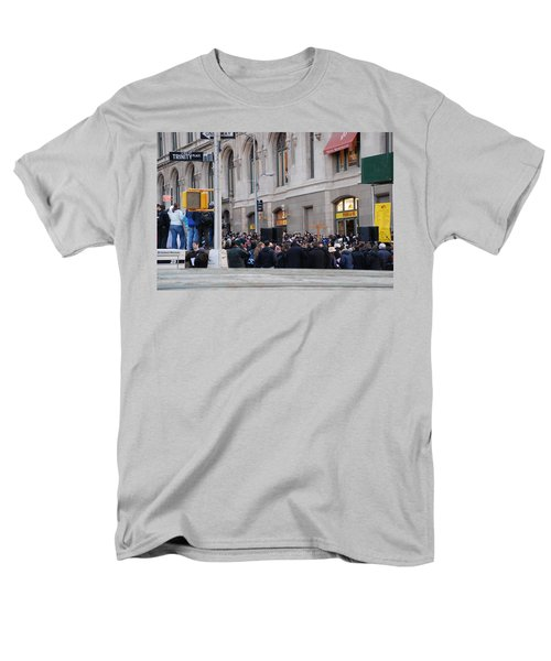 Men's T-Shirt  (Regular Fit) featuring the photograph Good Friday On Trinity Place by Rob Hans
