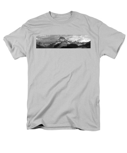 Men's T-Shirt  (Regular Fit) featuring the photograph Head And Shoulders by David Andersen