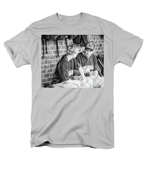Men's T-Shirt  (Regular Fit) featuring the photograph How To Throw A Curve Ball by Benanne Stiens