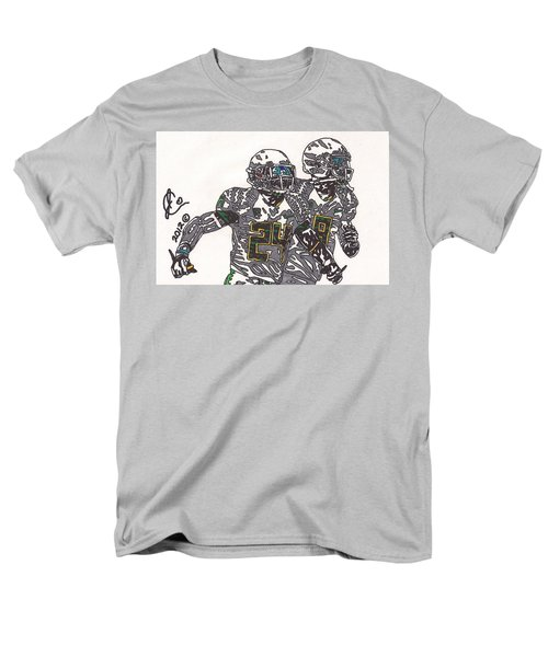 Kenjon Barner And Marcus Mariota Men's T-Shirt  (Regular Fit) by Jeremiah Colley