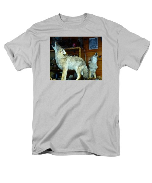 Kings Canyon Lodge Coyotes Men's T-Shirt  (Regular Fit) by Amelia Racca