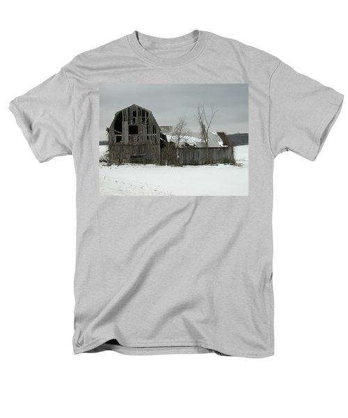 Letchworth Barn 0077b Men's T-Shirt  (Regular Fit) by Guy Whiteley
