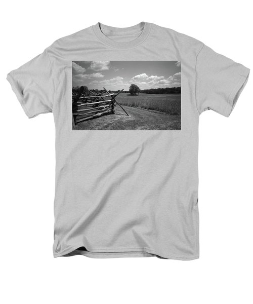 Men's T-Shirt  (Regular Fit) featuring the photograph Manassas Battlefield Bw by Frank Romeo