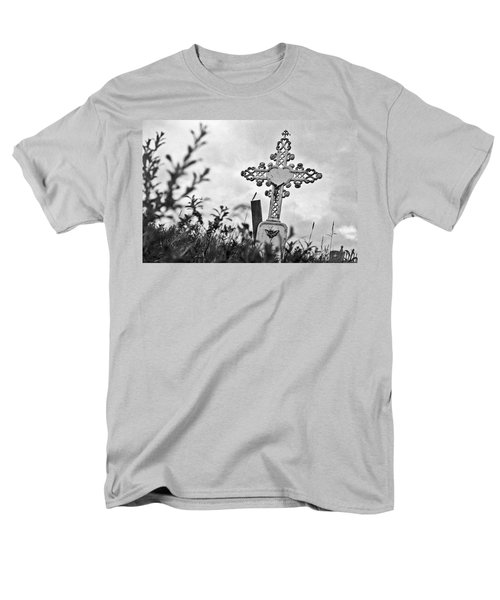 Men's T-Shirt  (Regular Fit) featuring the photograph Nome by Laurie Stewart