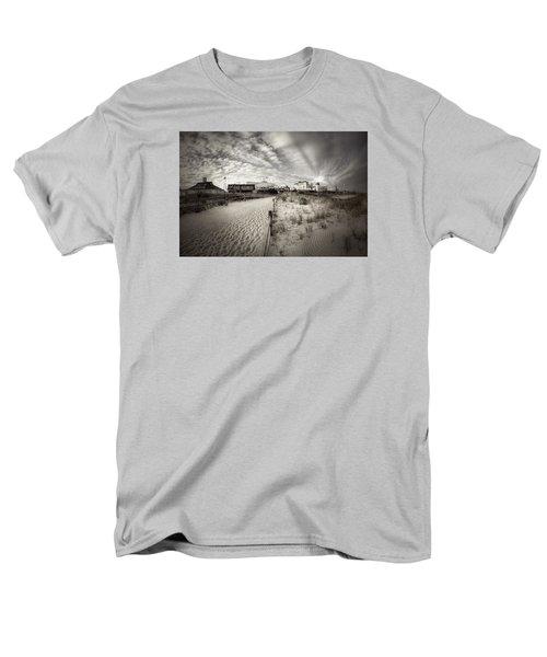 Ocean City Bw Men's T-Shirt  (Regular Fit) by John Loreaux