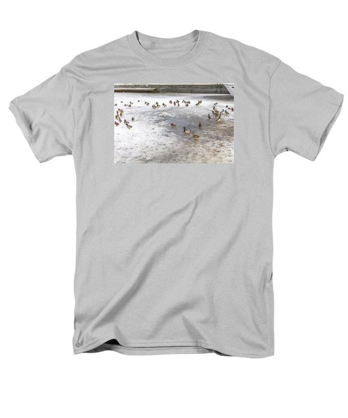 On Ice  Men's T-Shirt  (Regular Fit) by Leif Sohlman