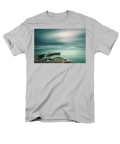 Portencross Pier Men's T-Shirt  (Regular Fit) by Ian Good
