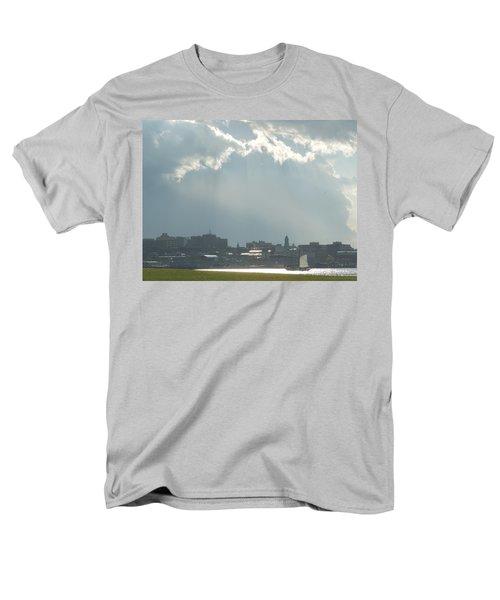 Portland Maine Men's T-Shirt  (Regular Fit)