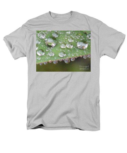 Raindrops On Leaf. Men's T-Shirt  (Regular Fit) by Kim Tran