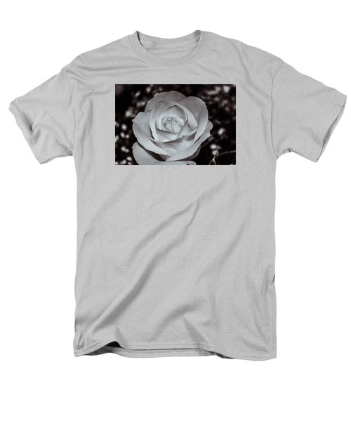 Rose B/w - 9166 Men's T-Shirt  (Regular Fit) by G L Sarti