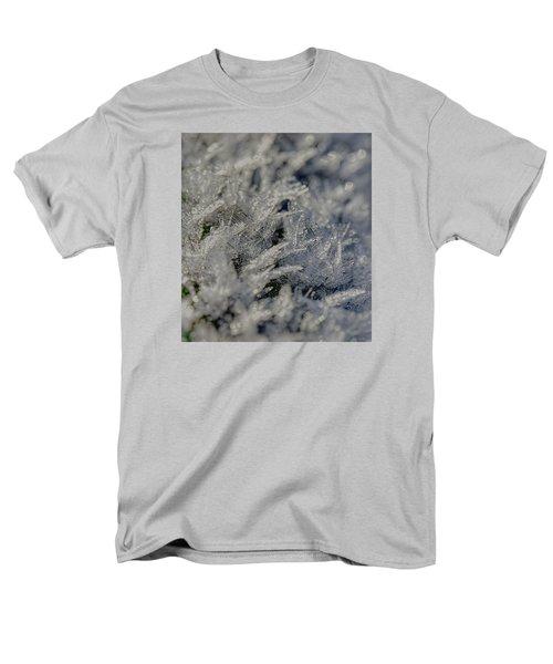 Snowchrystals  Men's T-Shirt  (Regular Fit)