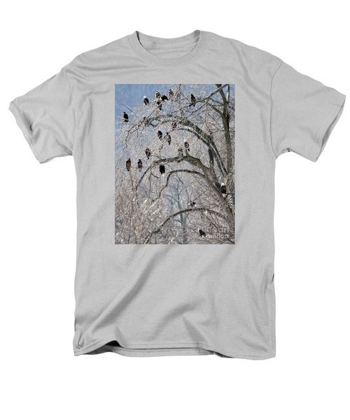 Starved Rock Eagles Men's T-Shirt  (Regular Fit) by Paula Guttilla