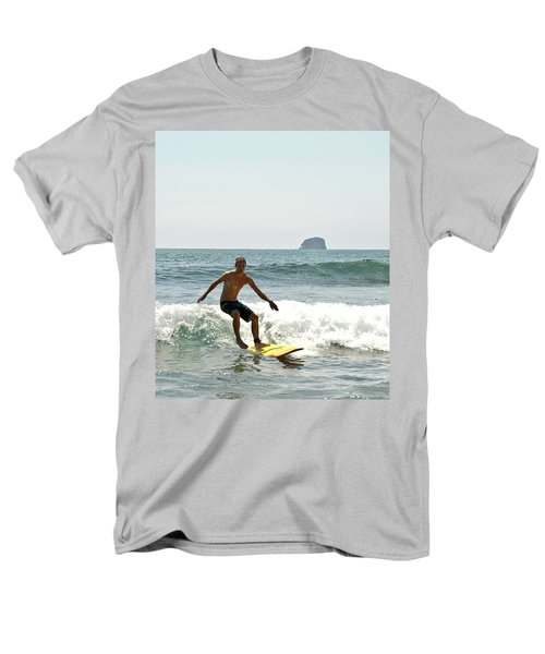 Surfing New Zealand Waves Men's T-Shirt  (Regular Fit) by Yurix Sardinelly