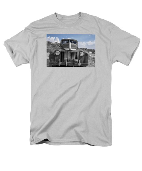 Men's T-Shirt  (Regular Fit) featuring the photograph The Boss by Annette Berglund