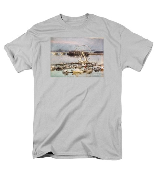 The Capital Wheel At National Harbor Men's T-Shirt  (Regular Fit)