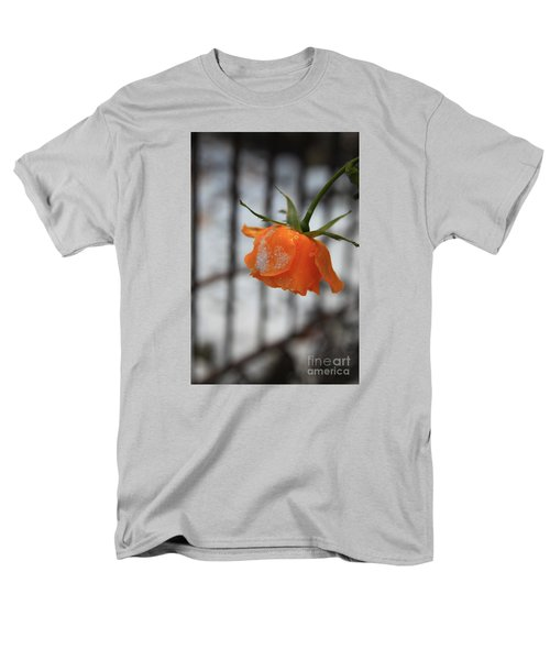Men's T-Shirt  (Regular Fit) featuring the photograph The Last Rose Of Summer by Jeanette French