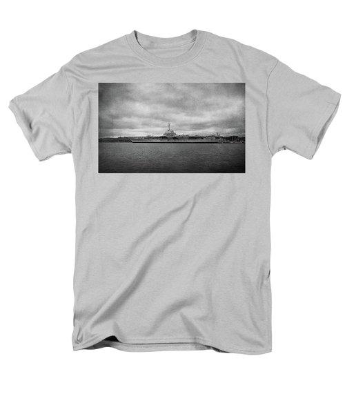 Men's T-Shirt  (Regular Fit) featuring the photograph Uss Yorktown by Sandy Keeton