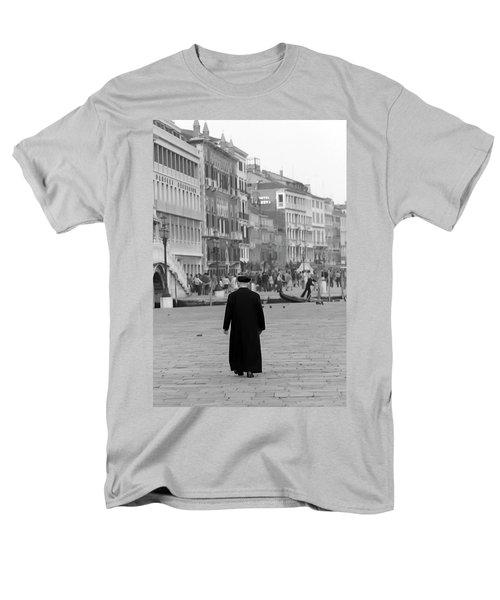 Venetian Priest And Gondola Men's T-Shirt  (Regular Fit) by KG Thienemann