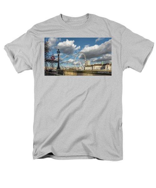 Victoria Embankment Men's T-Shirt  (Regular Fit) by Adrian Evans