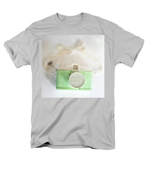 Vintage Camera Fun Splashes Men's T-Shirt  (Regular Fit) by Terry DeLuco