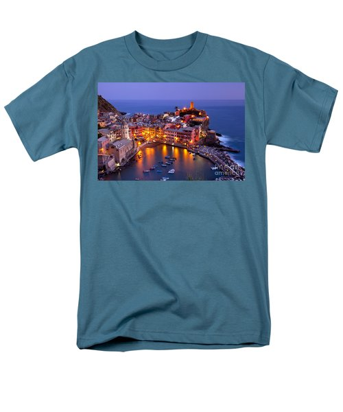 Cinque Terre Men's T-Shirt  (Regular Fit) by Brian Jannsen